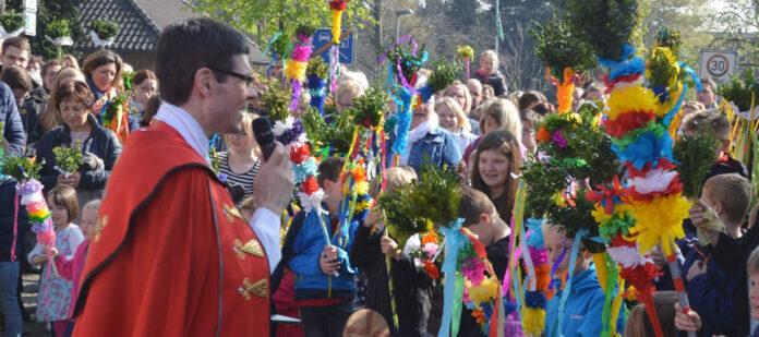 Morgen feiert der in Werne groß gewordene Pfarrer Stefan Hörstrup Pfingsten in seiner Gemeinde St. Lambertus in Ochtrup. Foto: Luca Reinders