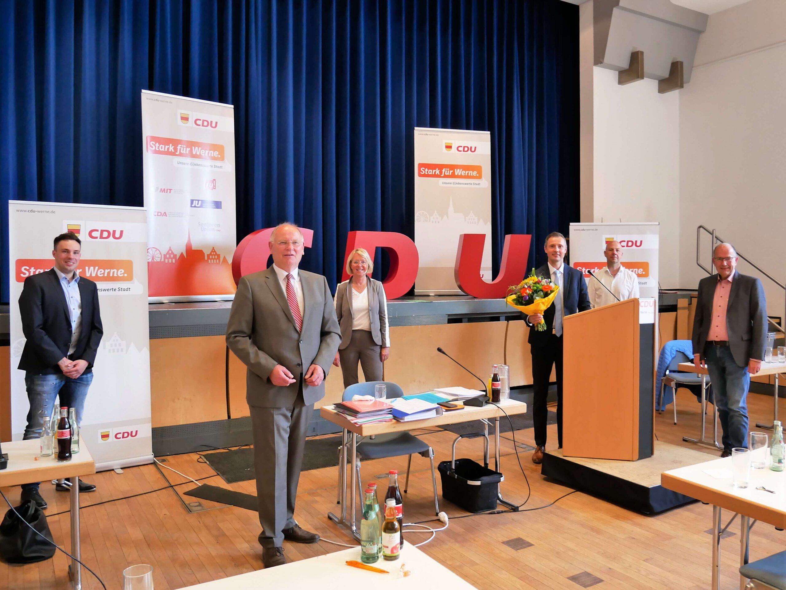 Der Vorstand des CDU-Stadtverbands (von links) mit Martin Cyperski, Wilhelm Jasperneite, Uta Leisentritt, Dominik Bulinski, Markus Rusche, Rolf Weißner. Foto: Gaby Brüggemann