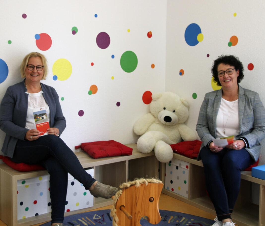 Bettina Stilter (links) und Elisebeth Meßner informierten über den aktuellen Stand im Familiennetz während der Corona-Pandemie. Foto: Wagner