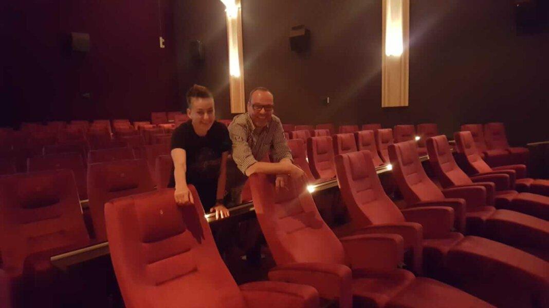 Jutta und Wido Wagner freuen sich auf den 25. Juni, wenn sie wieder zwei Säle im Capitol Cinema Center öffnen. Foto: Wagner