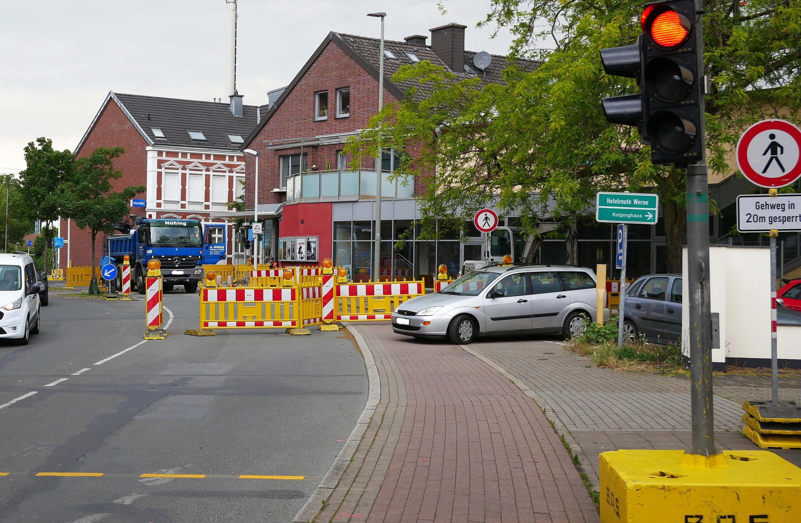 Die Baustelle am Kino soll heute abgeschlossen werden. Foto: Gaby Brüggemann