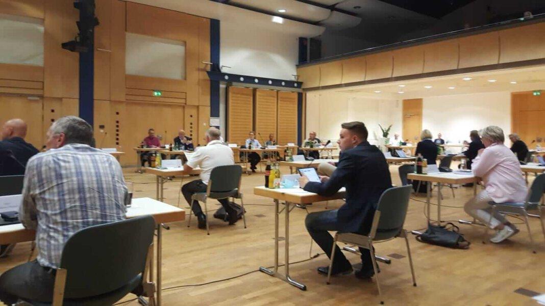 Der Stadtrat votierte einstimmig für die Entlastung der Eltern. Foto: Wagner