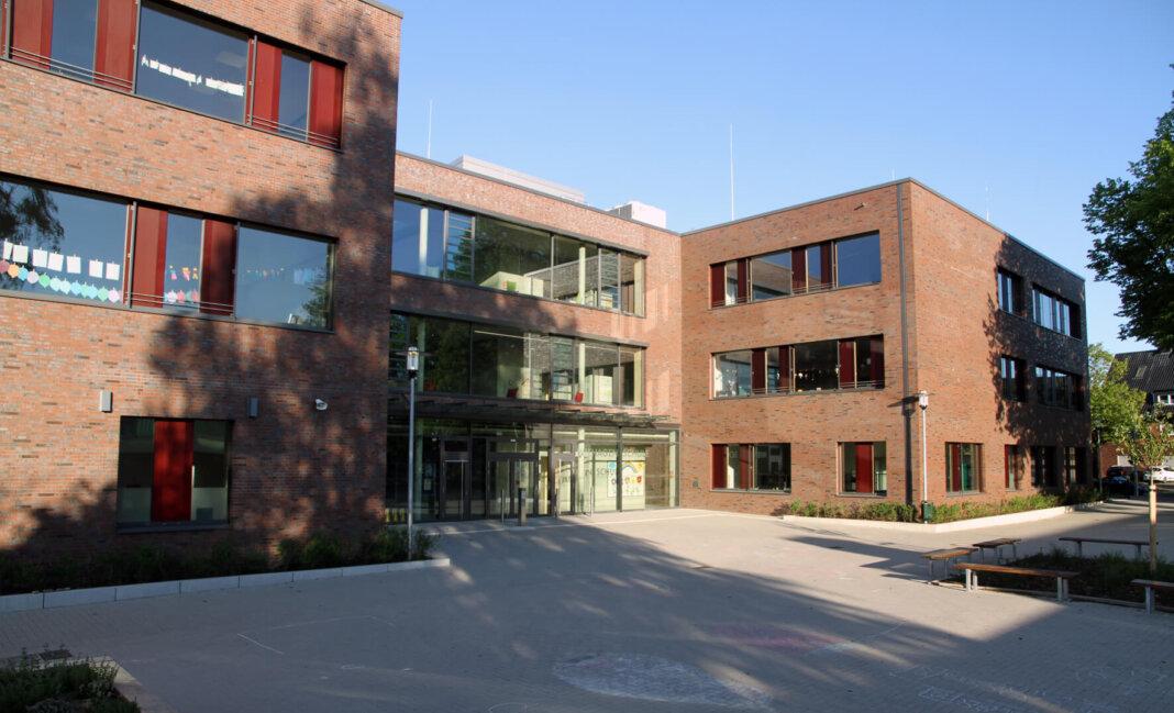 An der Wiehagenschule hat sich ein Kind mit dem Coronavirus infiziert. Die MitschülerInnen und Lehrkräfte befinden sich nun in Quarantäne. Foto: Wagner