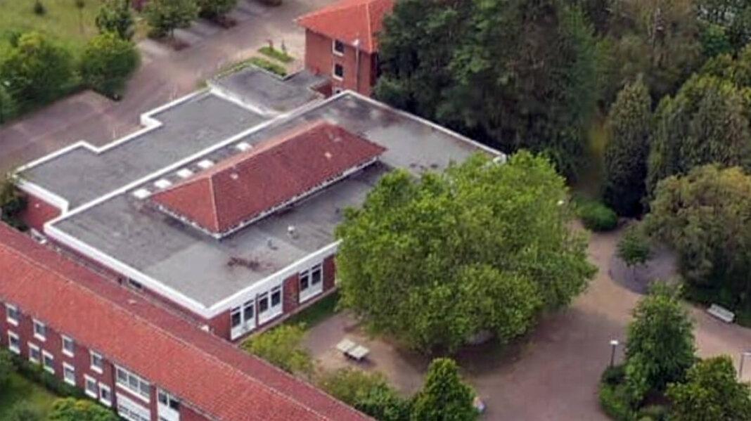 Das Naturwissenschaftliche Zentrum am Christophorus-Gymnasium (oben) wird ab 2021 erneuert. Foto: Kreativshooting/ Thomas Schütte