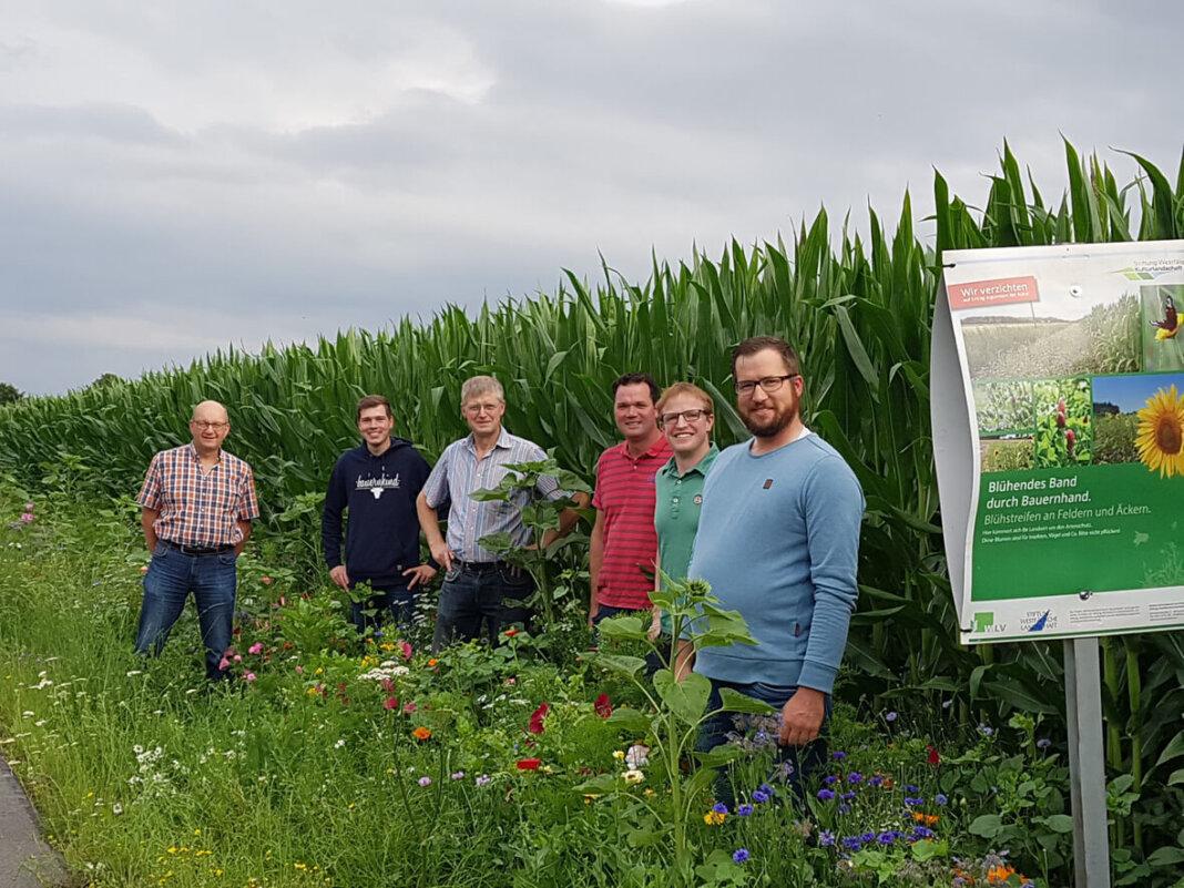 Auf dem Bild sind (von rechts) Benedikt Holtrup, Tobias Großerichter, Gerold Pentrup, Franz Josef Bicking, Marius Brochtrup und Berthold Nießmann. Foto: Landwirtschaftlicher Ortsverband