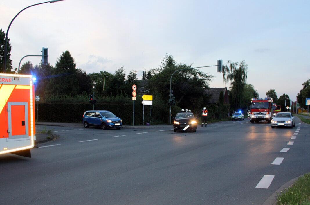 Zu einem Unfall auf der Lünener Straße/Ecke Berliner Straße wurden die Einsatzkräfte gestern Abend gerufen. Foto: Polizei