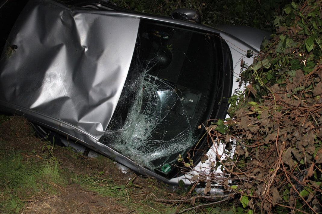 Bei dem Unfall entstand Totalschaden am Auto. Foto: Polizei Coesfeld