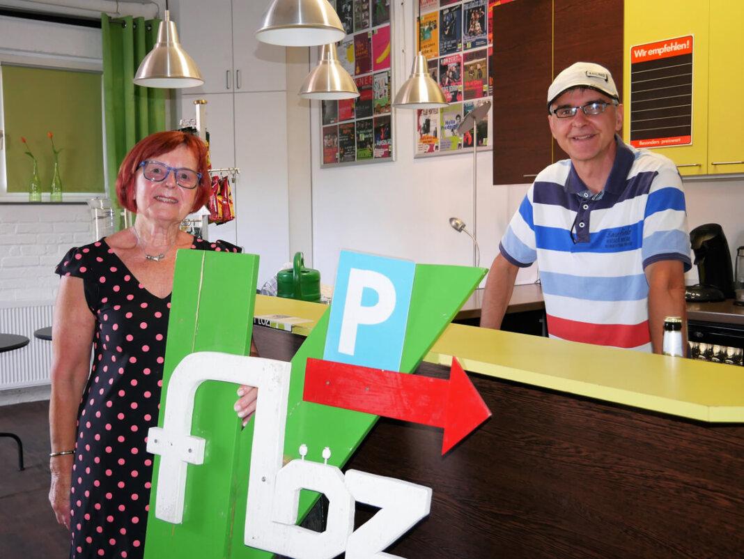 Wilma Cramer und Roland Sperlich freuen sich auf den Re-Start im Kulturzentrum. Foto: Gaby Brüggemann
