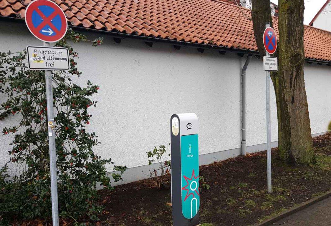 Generell freies Parken, nicht nur beim Ladevorgang, fordert die UWW für Fahrzeuge mit dem E-Kennzeichen. Foto: Wagner