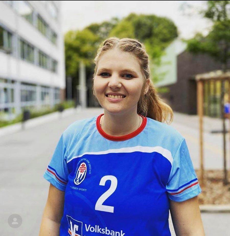 Jenny Böttger ist Kapitänin der 1. Volleyballdamen des TV Werne - und derzeit wegen der Pandemie zum Pausieren gezwungen. Foto: TVW