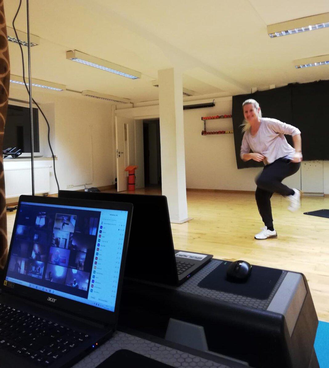 Im Studio Lady & Fitness lassen sich Marion Nägeler und ihr Team immer etwas Neues einfallen, um mit ihren Kundinnen in Kontakt zu bleiben - nicht nur über Live-Online-Kurse. Foto: Lady & Fitness