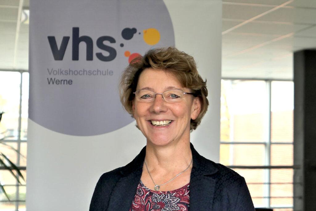 Regina Ruß, stellvertretende VHS-Leiterin, verspricht eine bodenständige Volkshochschule. Foto: Werne Marketing