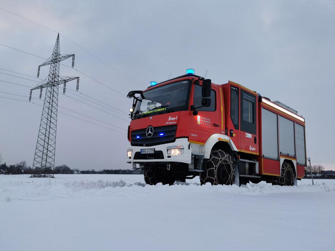 Das am Standort des Löschzug 1 Stadtmitte stationierte Löschgruppenfahrzeug 20 Katastrophenschutz (kurz: LF20 KatS) wurde mit Schneeketten ausgerüstet. Foto: Feuerwehr Werne