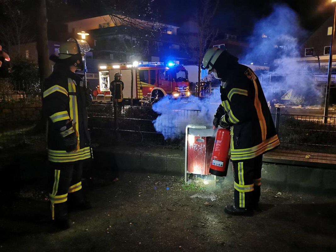 Der Löschzug 1 wurde zu einem Spielplatz gerufen. Dort brannte ein Mülleimer. Foto: Feuerwehr Werne
