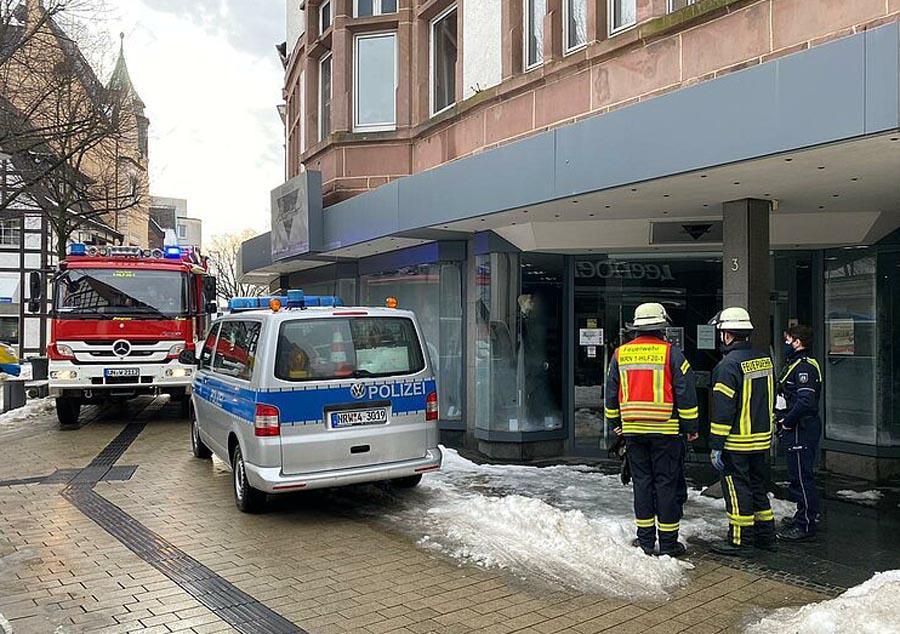 Ein Wasserschaden ereignete sich am Dienstag im Ladenlokal von Herrenmoden Schmersträter. Foto: Feuerwehr Werne