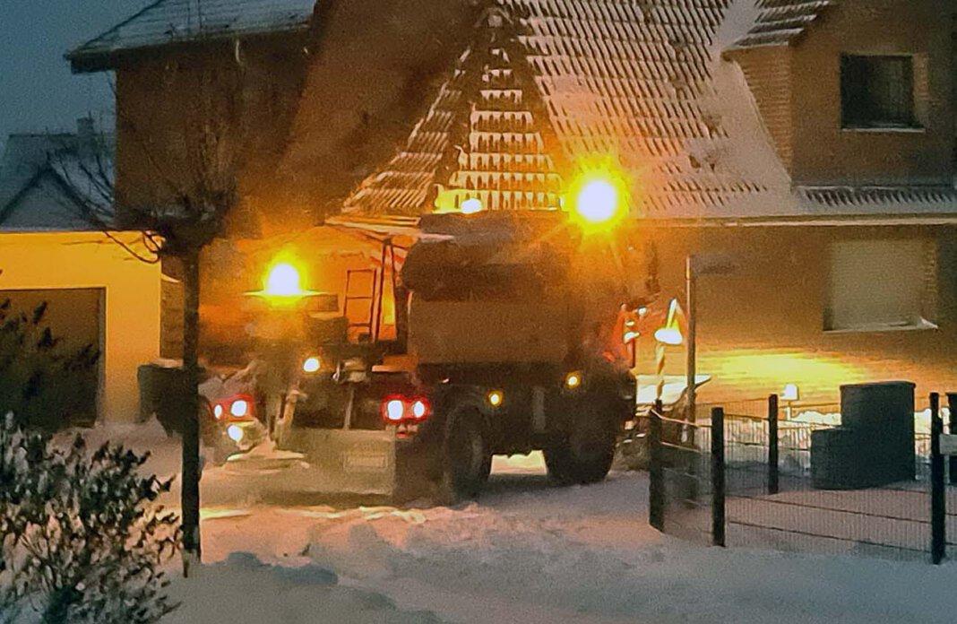 Der Winterdienst des Bauhofs ist seit Sonntag rund um die Uhr im Einsatz. Foto: Wagner
