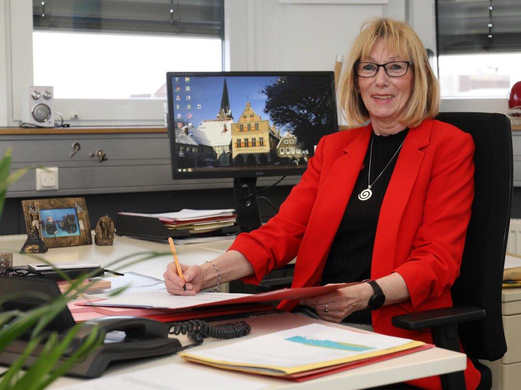 Verwaltungsfachangestellte Petra Credo, seit 18 Jahren Sekretärin von Lothar Christ, geht bald in den Ruhestand. Foto: Volkmer