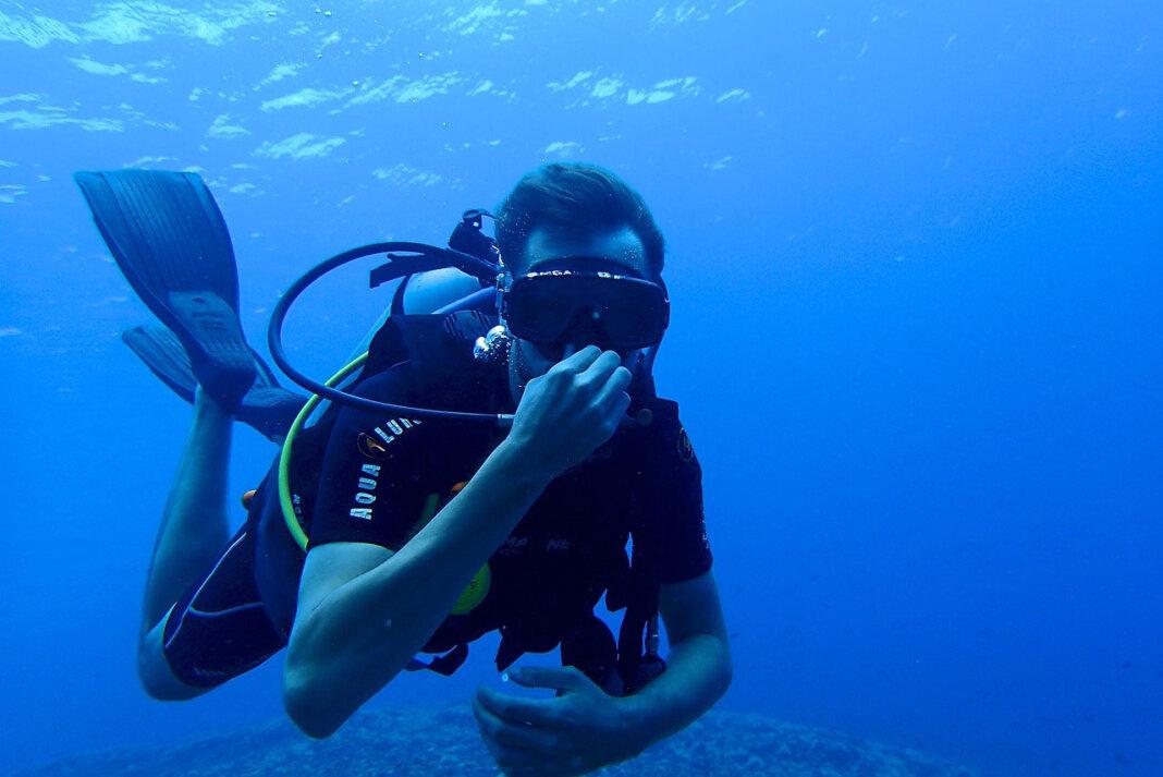 """In der nächsten digitalen Kinder-Uni geht es rund um das Thema """"Physik unter Wasser"""