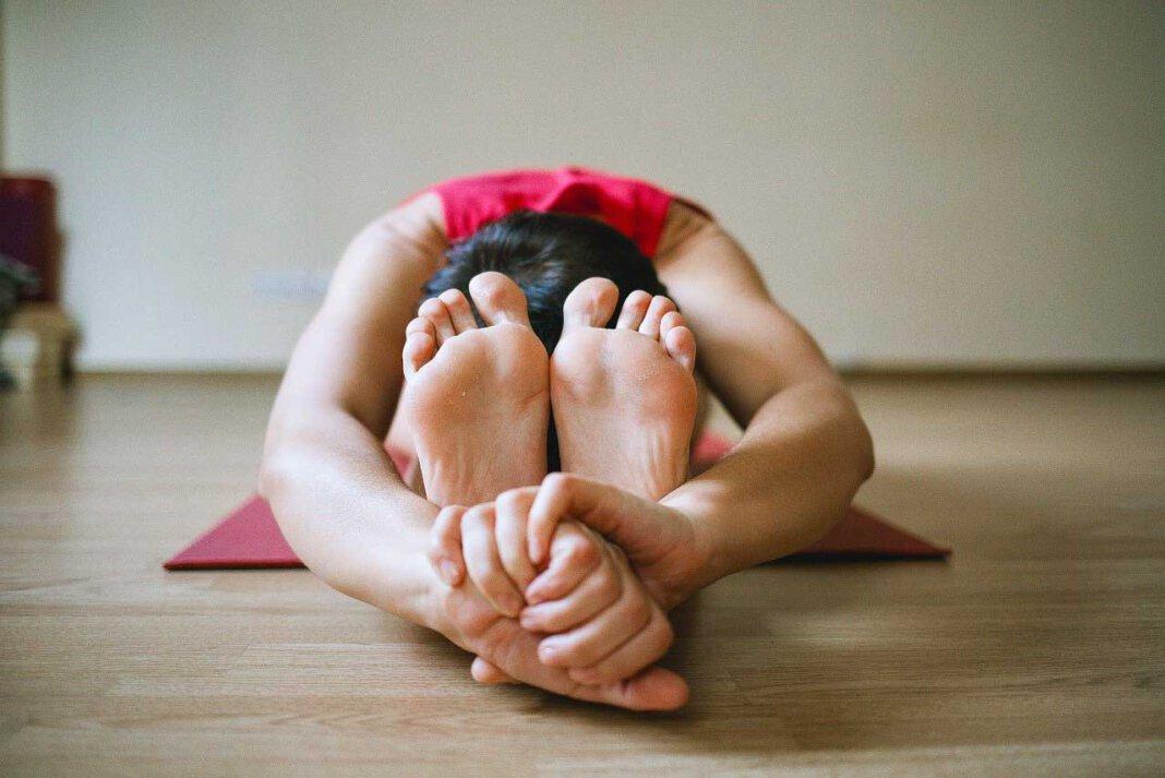Auch die Familienbildungsstätte hat Online-Yoga im Programm. Anmeldungen sind ab sofort möglich. Symbolfoto: pixabay