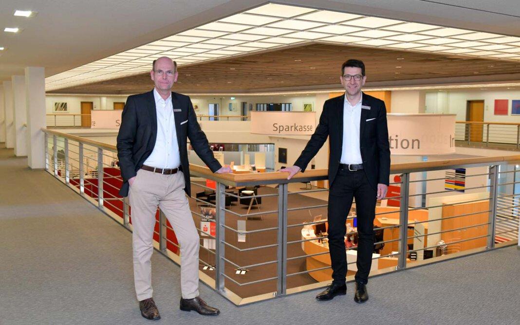 Die Vorstände der Sparkasse an der Lippe: Heiko Rautert (rechts) und Martin Abdinghoff. Foto: Sparkasse