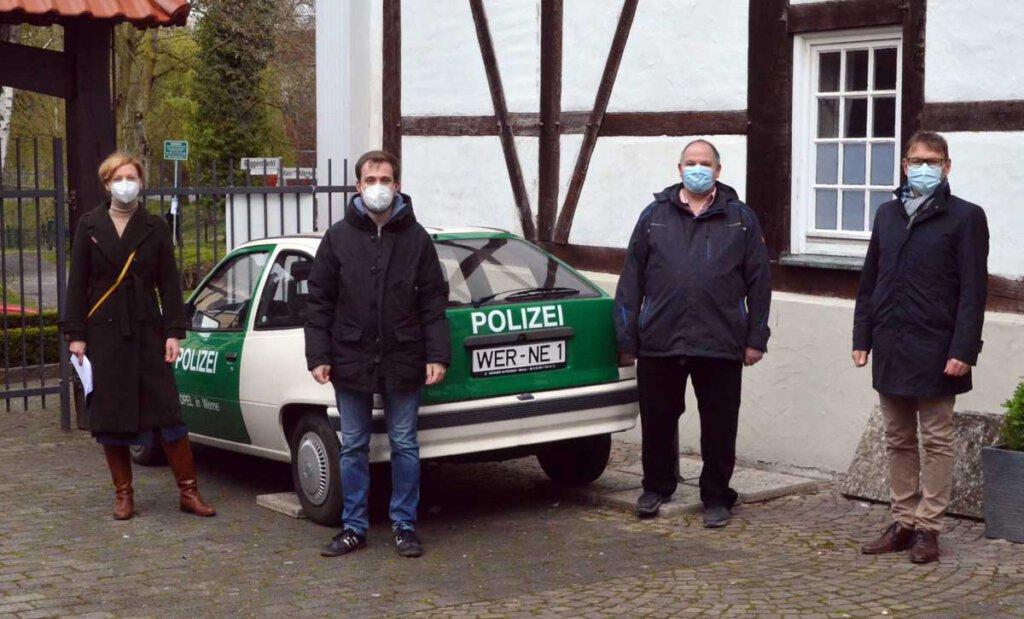 Das Polizeiauto aus dem Stück Pippi Langstrumof erinnert an so manche Patzer und Anekdoten. Foto: Alexandra Prokofev