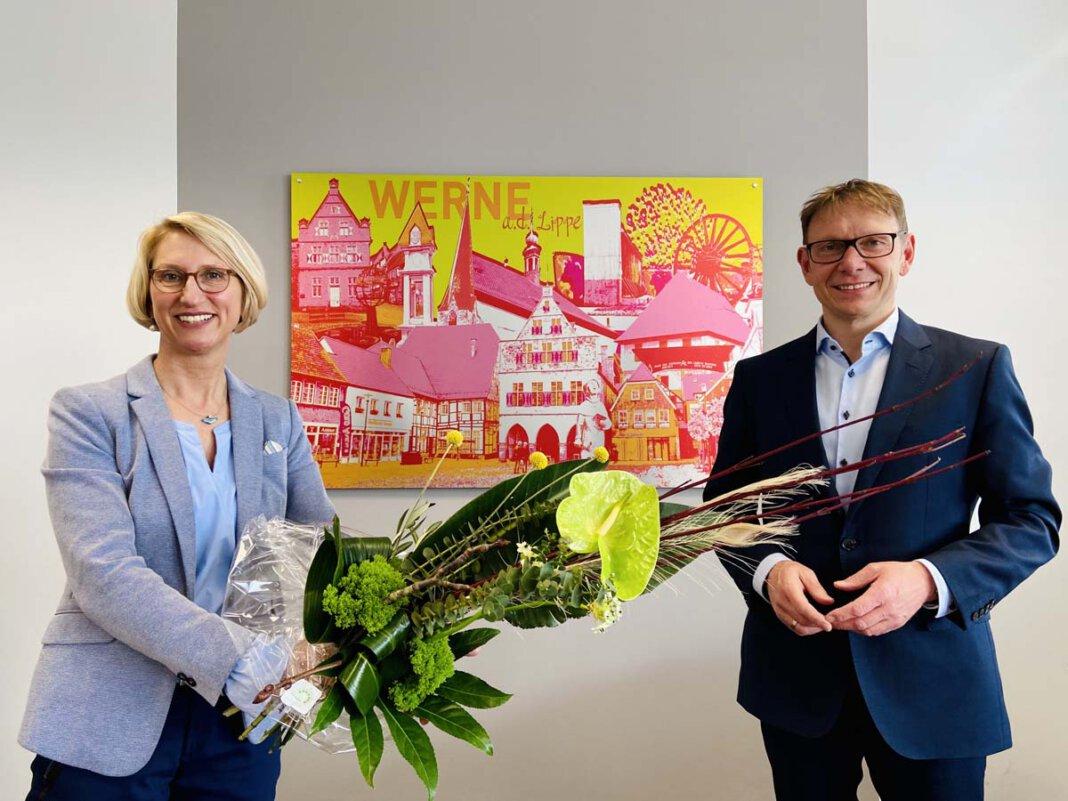 Carolin Brautlecht wurde von Bürgermeiser Lothar Christ in Richtung Soest verabschiedet. Foto: Werne Marketing