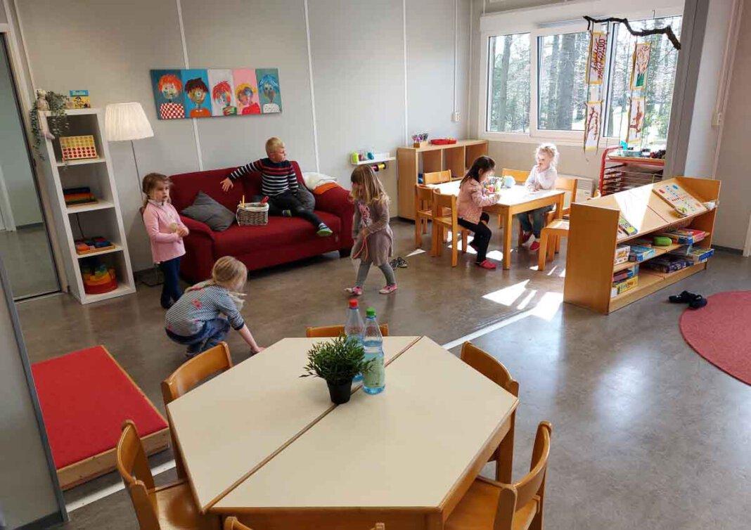Die Kinder fühlen sich in der provisorischen Modul-Kita bereits sehr wohl. Foto: Wagner