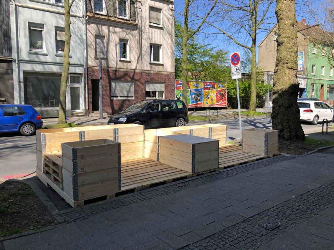 Das Parklet an der Münsterstraße ist fast fertig – es fehlt nur noch die Bepflanzung und ein Anstrich. Foto: Stadt Lünen