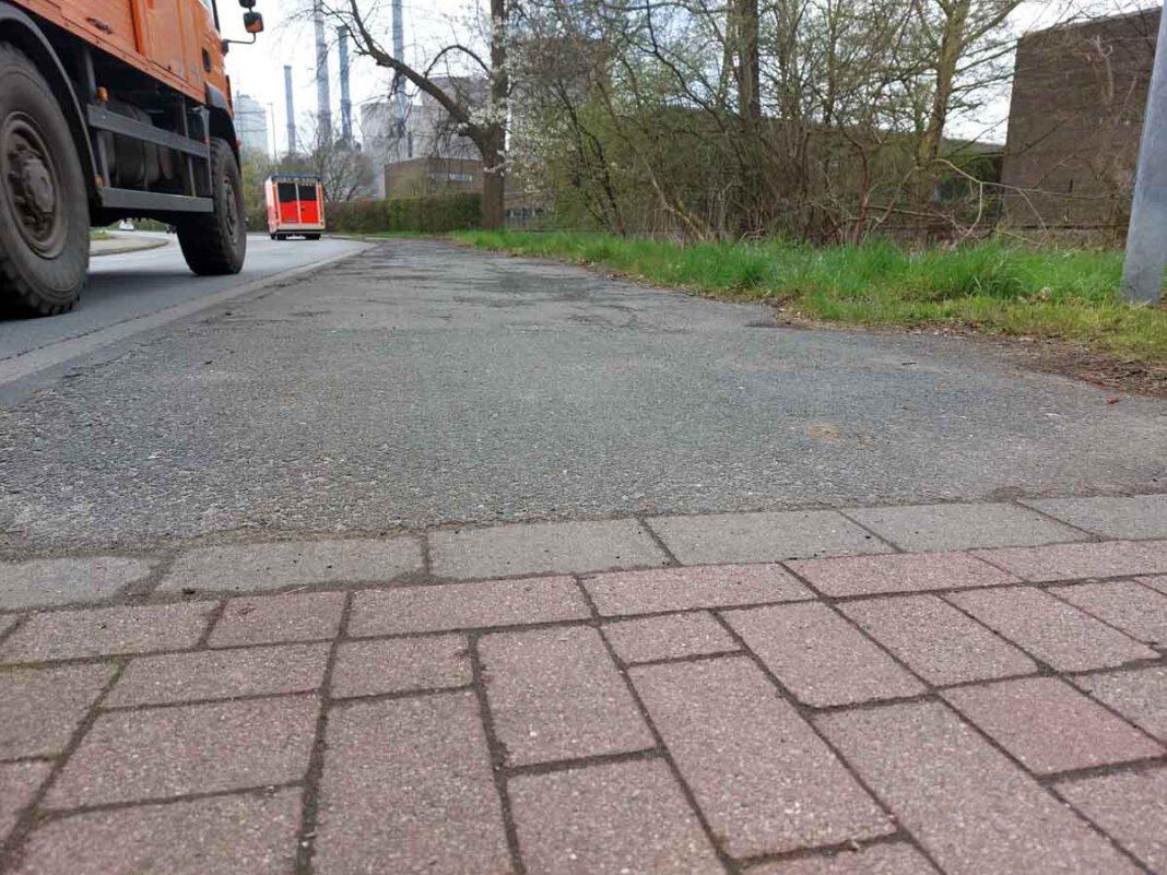 Der Radweg an der Hammer Straße in Stockum ist in keinem guten Zustand. Die UWW fordert eine Sanierung. Foto: Wagner