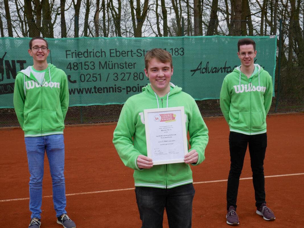 Die jungen Trainer des Werner TC 75 erhielten eine Auszeichnung vom Tennisverband. Foto: WTC