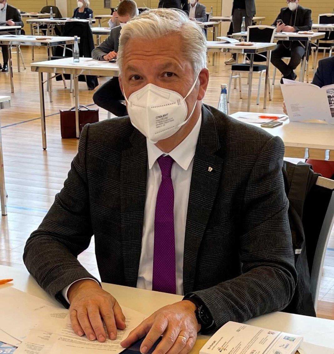 Hubert Hüppe aus Werne, hier beim Parteitag der CDU Ruhr in Gelsenkirchen, kann sich berechtigte Hoffnungen auf eine Rückkehr in den Bundestag machen. Foto: Zilian