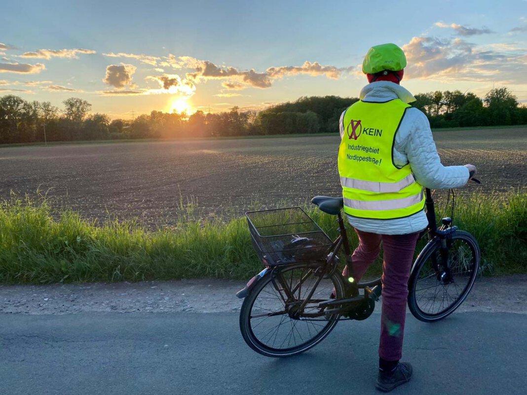 Zu einer Protest-Radtour rund um das nördlich der Nordlippestraße geplante Industriegebiet ruft die Bürgerinitiative auf. Start ist bei der Firma Plaß südlich der Nordlippestraße am Stiegenkamp. Foto: BIN