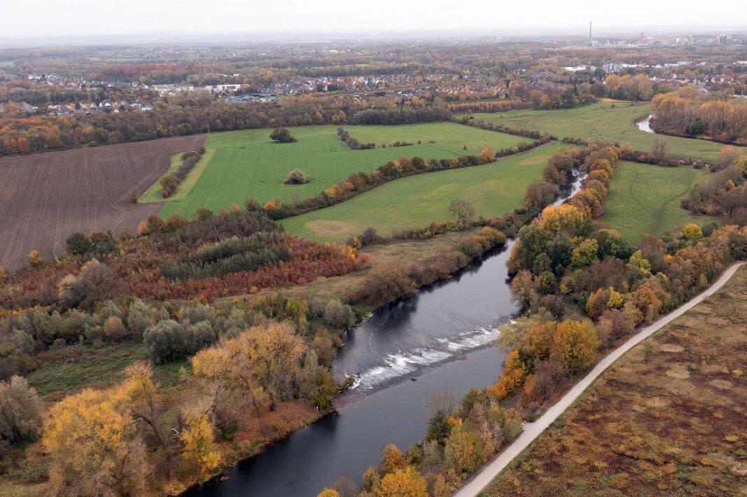 Im Bereich östlich der B233/Werner Straße soll dazu beispielsweise eine ein Kilometer lange Laufveränderung der Lippe entstehen. Foto: Kreativshooting/Thomas Schütte