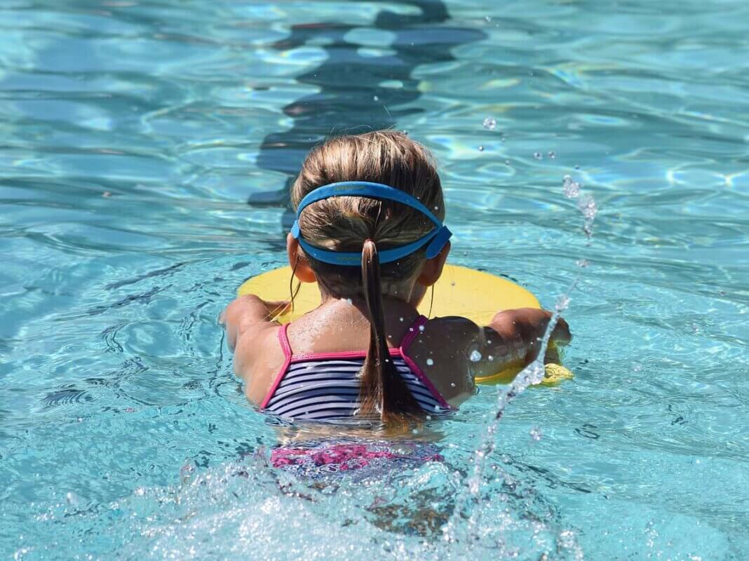 In Herbern sind in Schwimmkursen für Kinder noch Plätze frei. Symbolfoto: pixabay