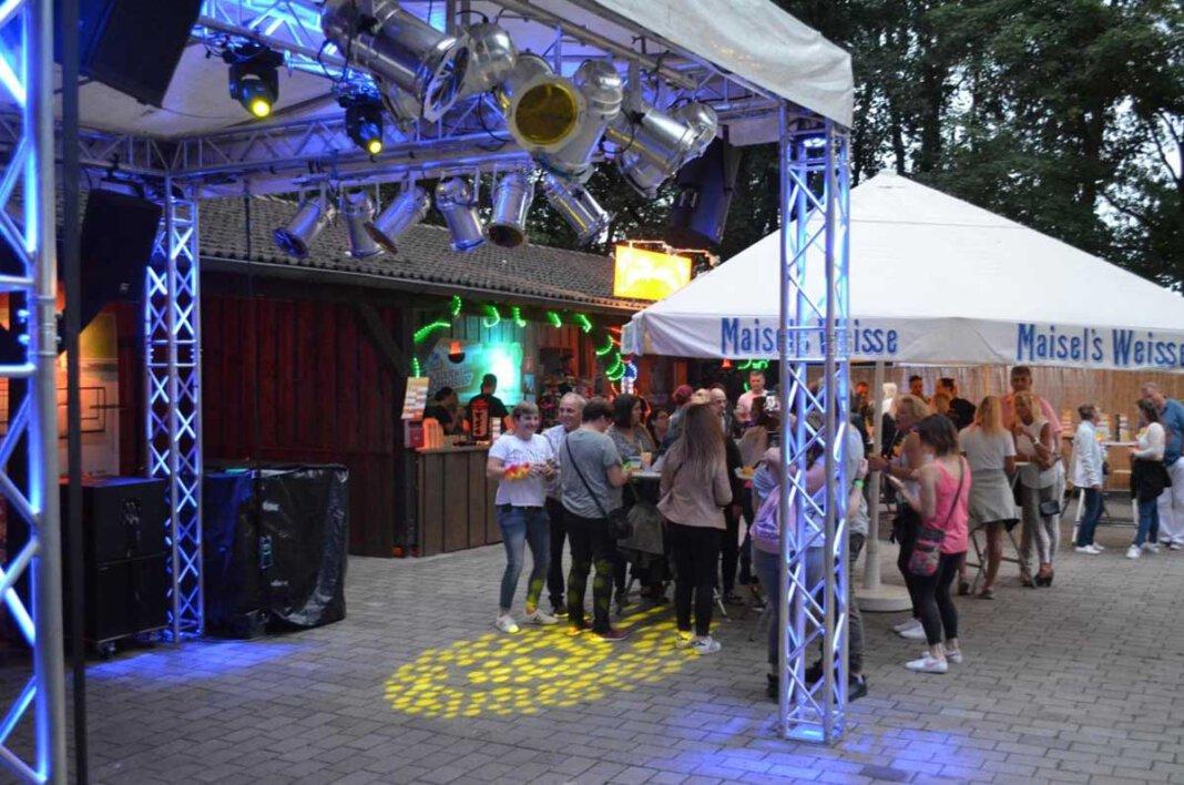 Das THW-Blaulichtsommerfest fand zuletzt 2019 statt. Auch in diesem Jahr muss die Party wegen Corona wieder ausfallen. Archivfoto: Prokofev