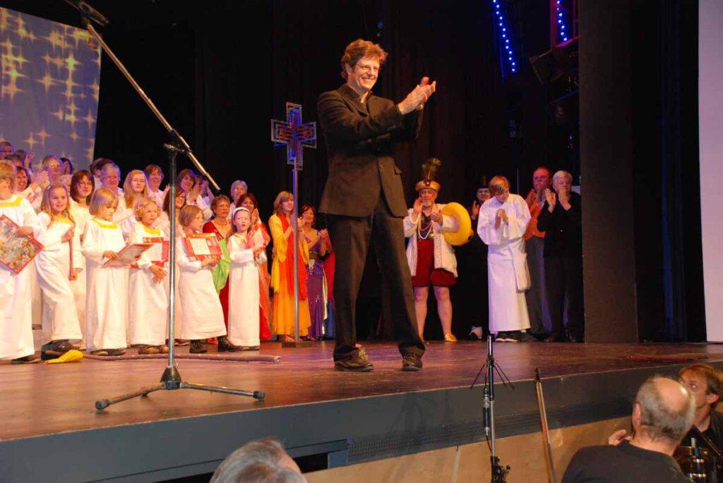 Zur Feier der europäischen Kulturhauptstadt Ruhr.2010 in Werne komponierte Hans-Joachim Wensing ein Christophorus-Musical, das im Kolpinhaus aufgeführt wurde. Foto: Schwarze