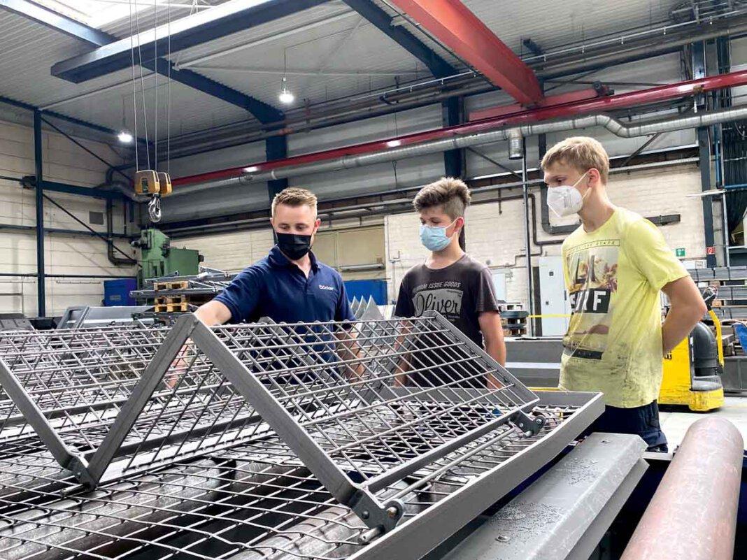 Interessante Einblicke ins Berufsleben gewährten die Böcker Maschinenwerken einigen Schulpraktikanten/innen. Foto: Böcker