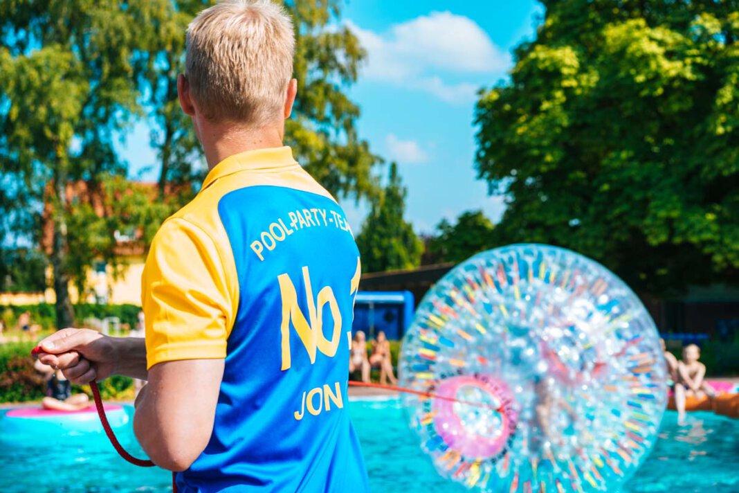 Beim Solebad-Ferienspaß ist eine Mischung aus Olympischen Spielen und Fußball-EM geplant. Actionreiche Disziplinen im Wasser und drumherum fordern vier Stunden lang zum Mitmachen auf. Gefragt sind Kreativität, Geschicklichkeit und Teamgeist. Foto: Solebad Werne