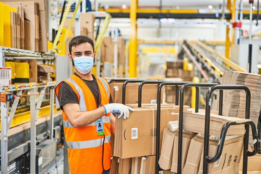 Amazon hat die Erhöhung des Stundenlohns auf 12 Euro zum 1. Juli 2021 angekündigt. Foto: Amazon/ Patrick Lux