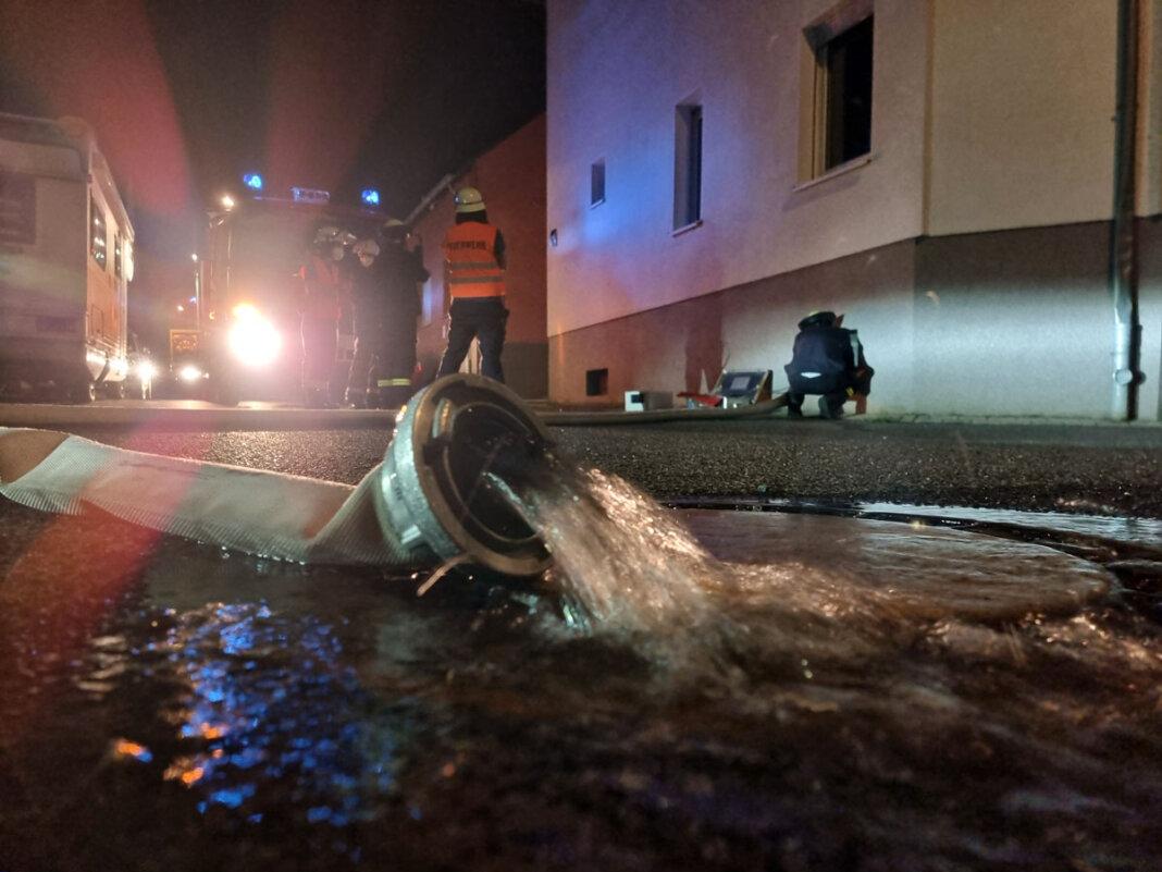 Im Evenkamp lief in der Nacht zu Dienstag ein Keller mit Wasser voll. Die Feuerwehr Werne rückte aus. Foto: Feuerwehr Werne