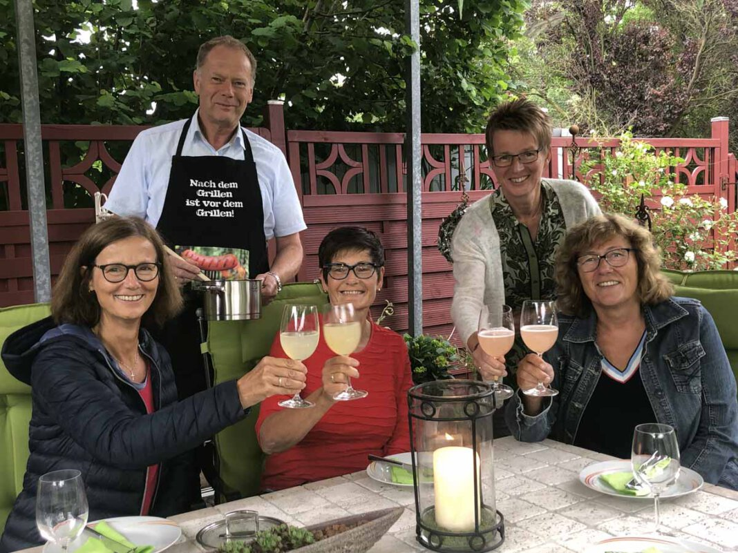 Pastoralreferentin Maria Thiemann (links) plant zusammen mit den Ehrenamtlichen die beliebte Aktion. Foto: A. Thiemann