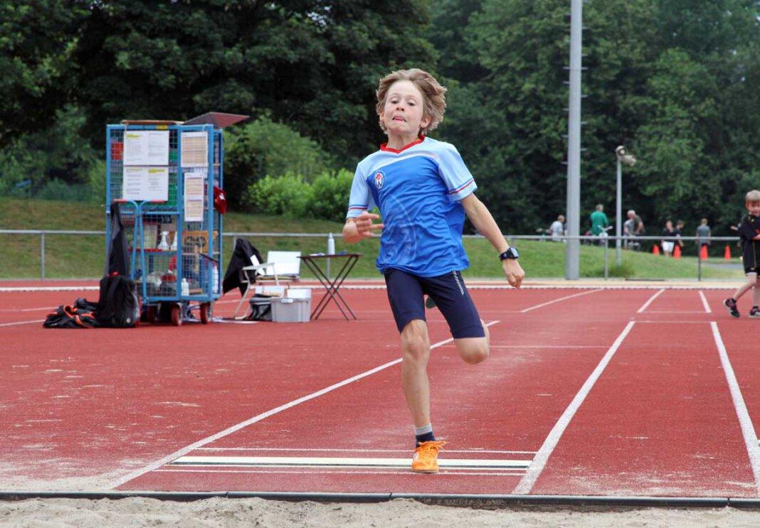Noch gut einen Monat lang werden die Sportabzeichen-Prüfungen im Sportzentrum Dahl abgenommen. Foto: Wagner
