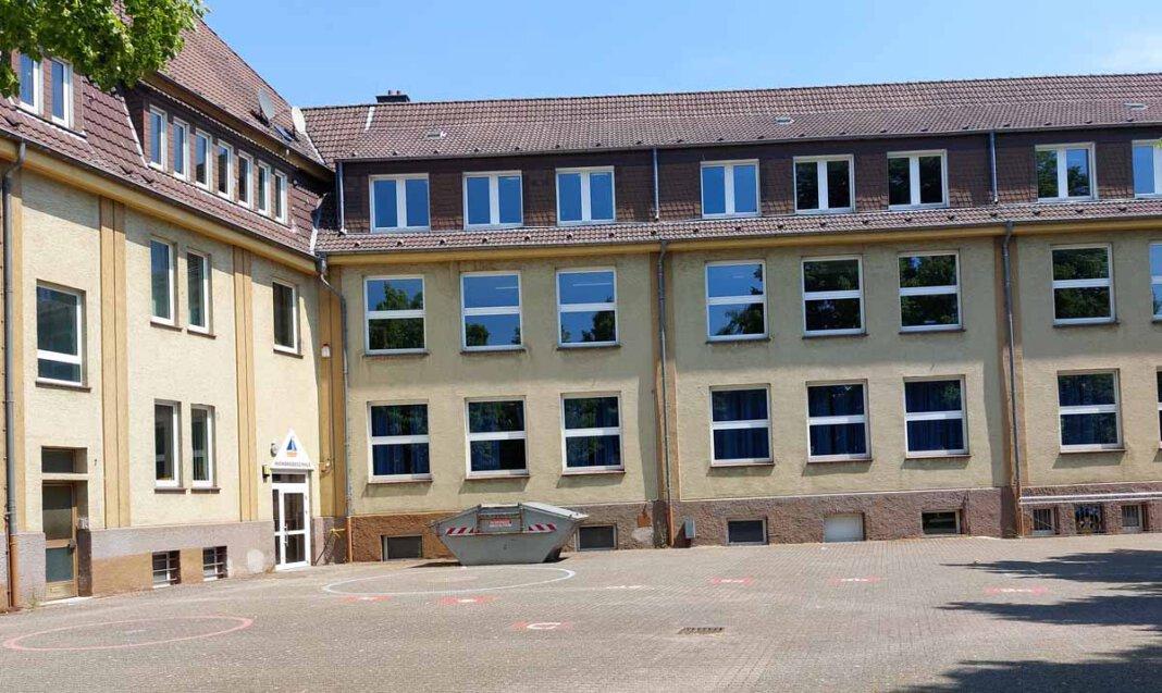 In der alten Wienbredeschulen sollen 16 Arbeitsplätze für die Stadtverwaltung geschaffen werden. Foto: Wagner