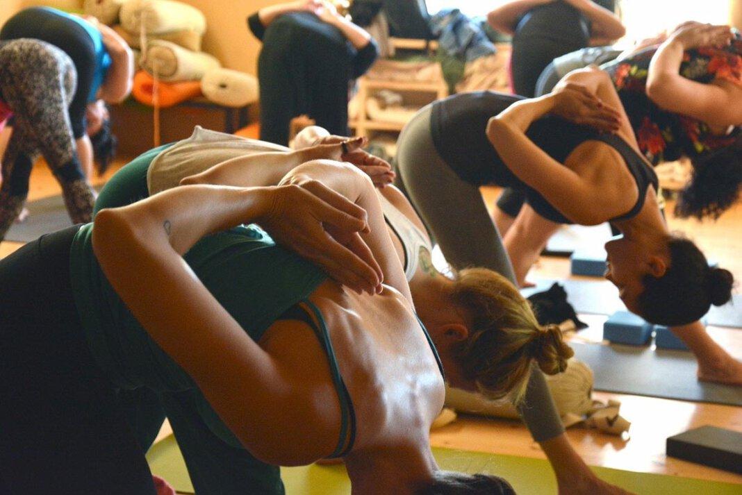 Kurse wie Yoga oder Pilates bietet der TV Werne nun draußen an. Symbolfoto: pixabay