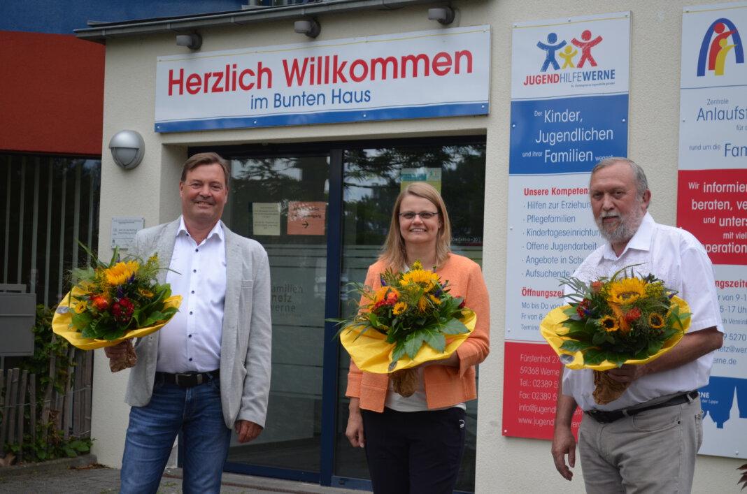 Die neue Geschäftsführung der Jugendhilfe (v.l.) Thomas Kißmann und Katharina Böckenholt sowie Vorgänger Uwe Schenk. Foto: Alexandra Prokofev