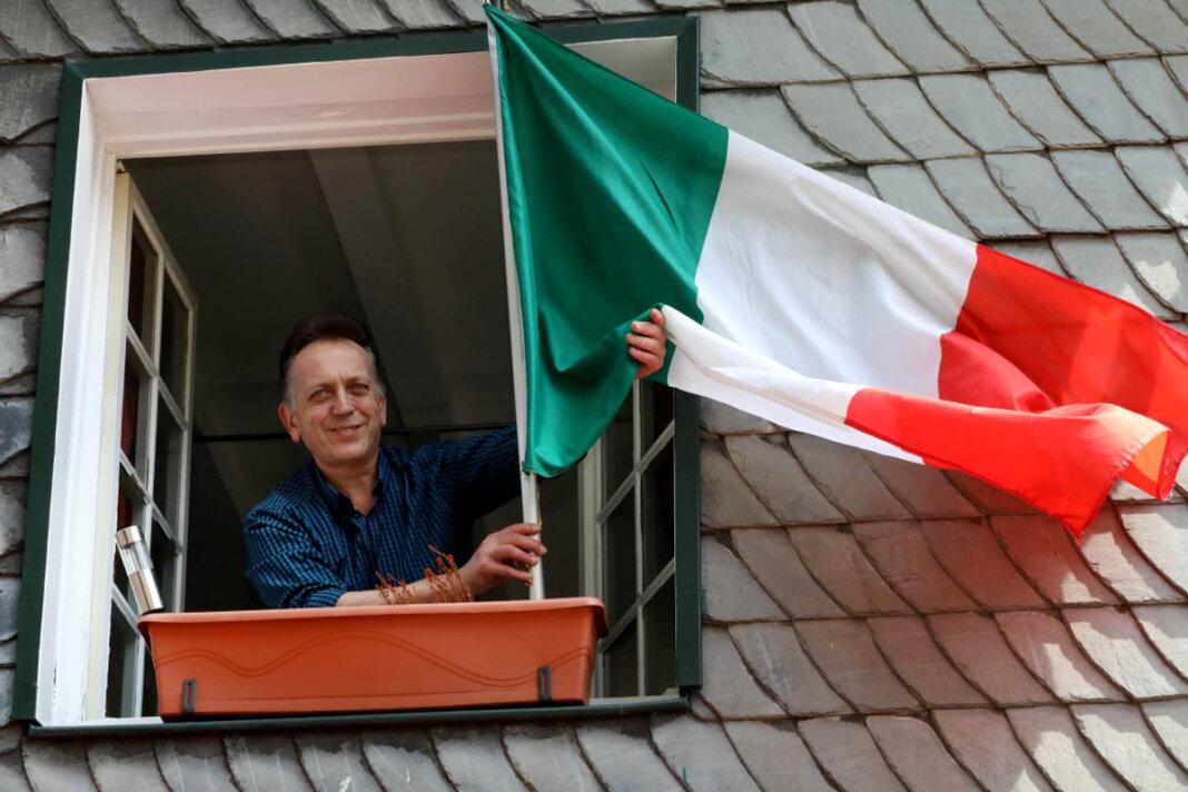 Carlo Crispo fiebert dem EM-Finale Italien gegen England entgegen. Foto: Volkmer