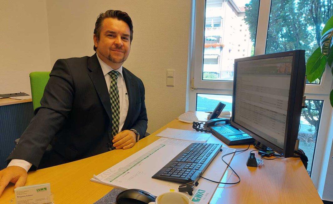 Auch Benjamin Krämer von der LVM-Versicherungsagentur Eickhoff in Werne hat eine große Nachfrage nach Elementarversicherungen registriert. Foto: Wagner