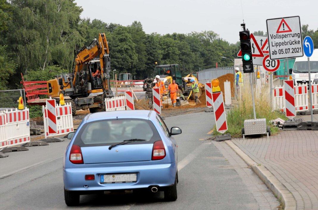 Seit einer Woche gilt die Vollsperrung der Lippebrücke an der Werner Straße. Das ist noch nicht bei allen Verkehrsteilnehmern angekommen. Foto: Volkmer