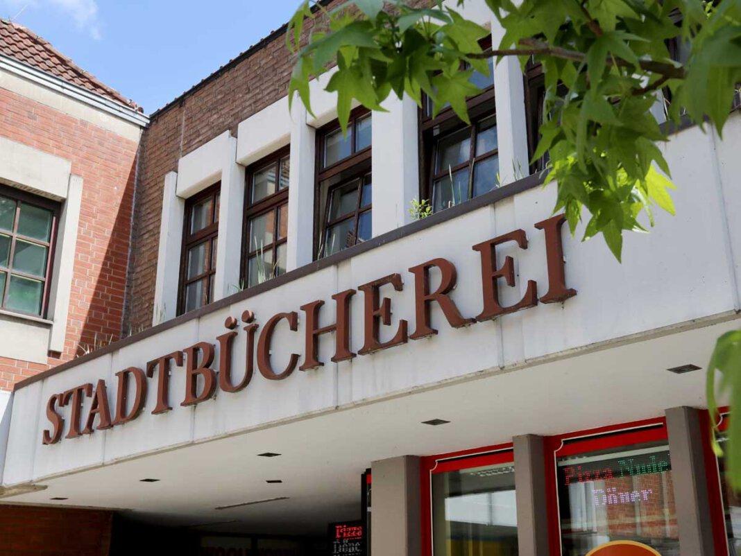 In der Stadtbücherei Werne beginnen bald die Workshops im Rahmen des SommerLeseClubs. Foto: Volkmer