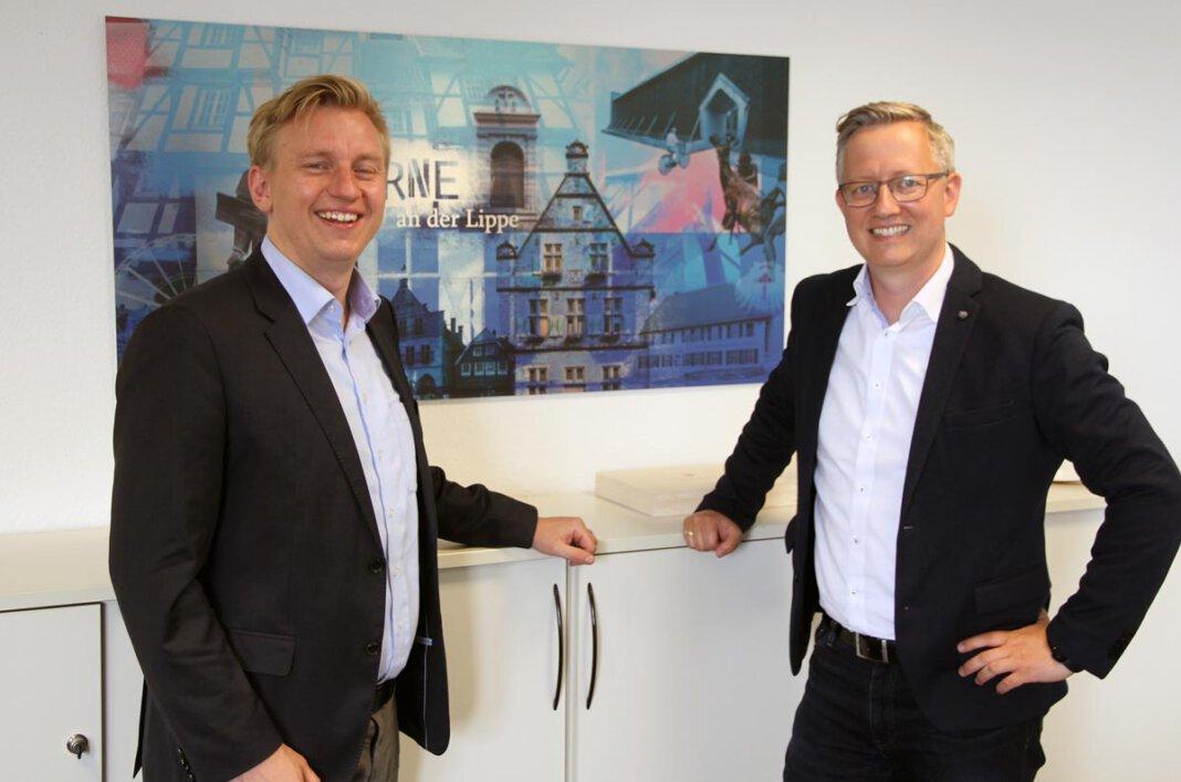 Der eine ist neuer Geschäftsführer der Werne Marketing GmbH, der andere neuer Leiter der Wirtschaftsförderung: Lars Werkmeister (links) und Matthias Stiller arbeiten eng zusammen. Foto: Wagner